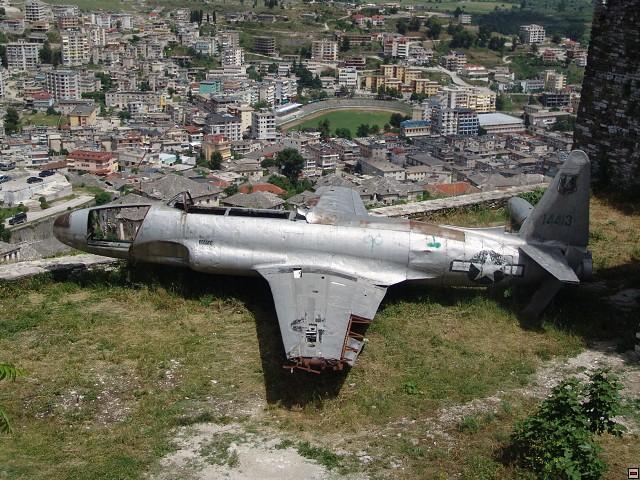 Špionážní letadlo nad Gjirocastrem