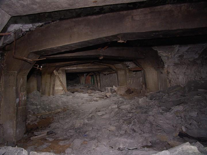 Páteřní chodba ( tuším déčko) v Podzemní továrně Richard u Litoměřic