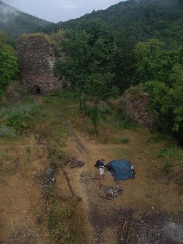 Hrad Týřov v mlžném ránu